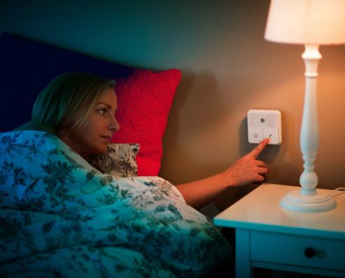 Nattsikringspanel fra sengen