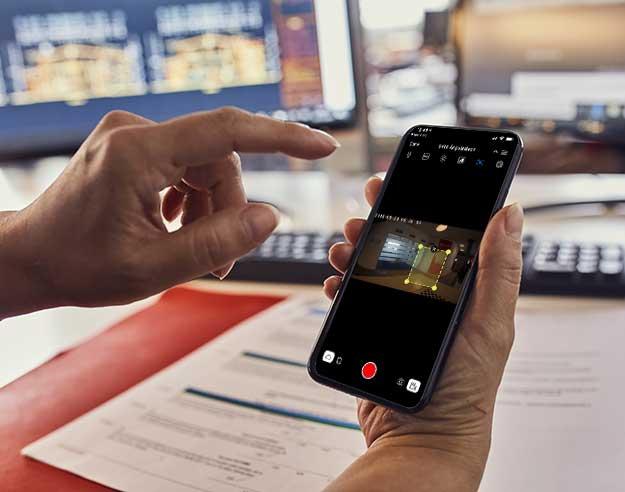 Sjekk kameraet i hjemmet fra app